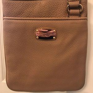 Handbags - Michael Kors Tan Crossbody